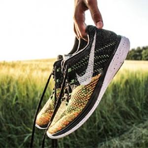 custom track uniforms running shoes